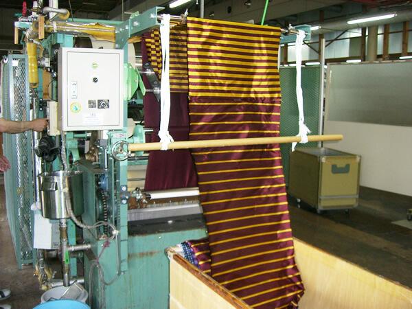 ネクタイ加工の写真